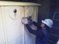 貯水槽及び加圧ポンプの水道配管撤去工事を紹介します。no.2