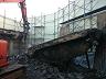 重機屋上設置によるSRC造解体